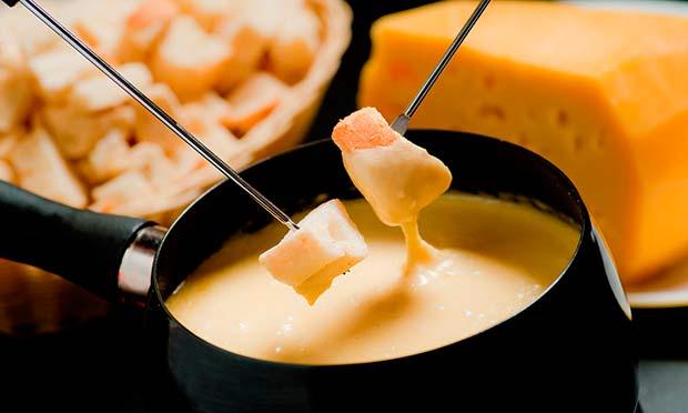 receita-de-fondue-de-queijo-fácil-004